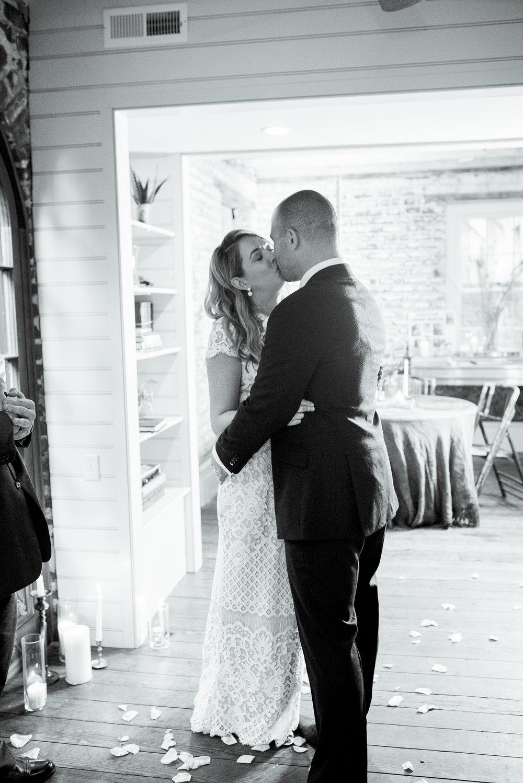 charleston elopement planners, scarlet plan & design, coral, tangerine, hot pink, peach intimate wedding (73).jpg