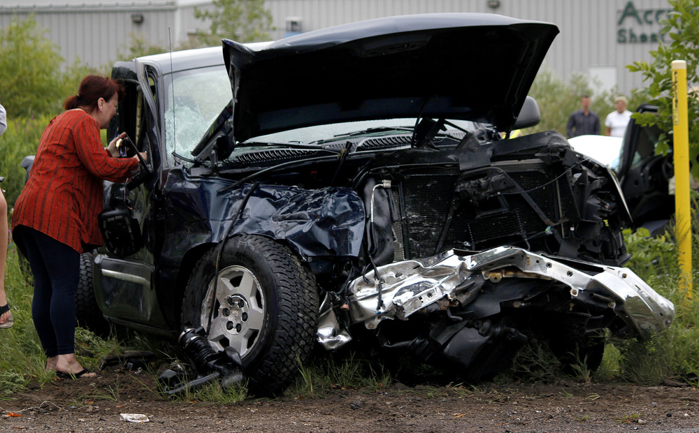 0817_MINEW_MI_HOL_136TH AVE CAR CRASH 1.jpg