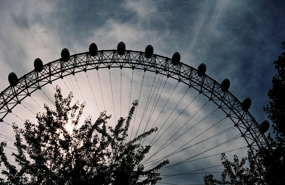 london eye silhouette
