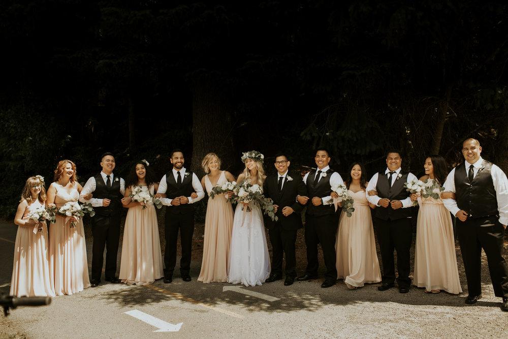 DS_websize_weddingparty-23.jpg