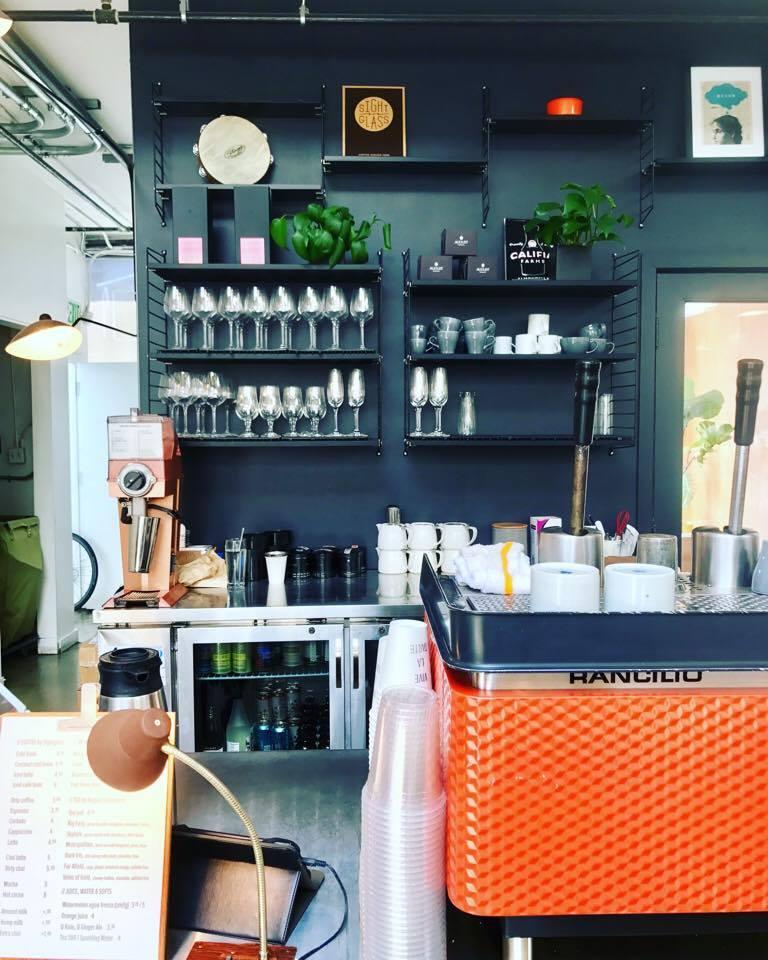 The coffee bar that serves Sightglass.