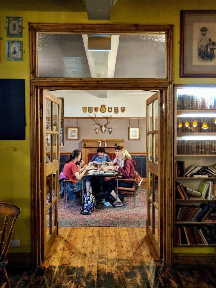 A darling pub I ate standard English pub food at.