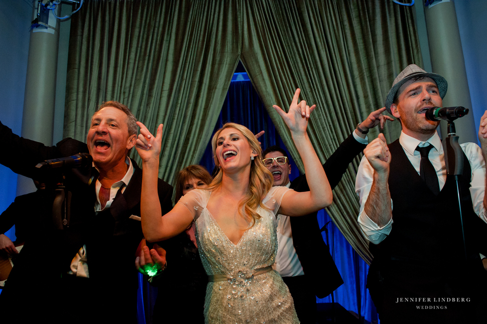 happy-brides-wedding-band