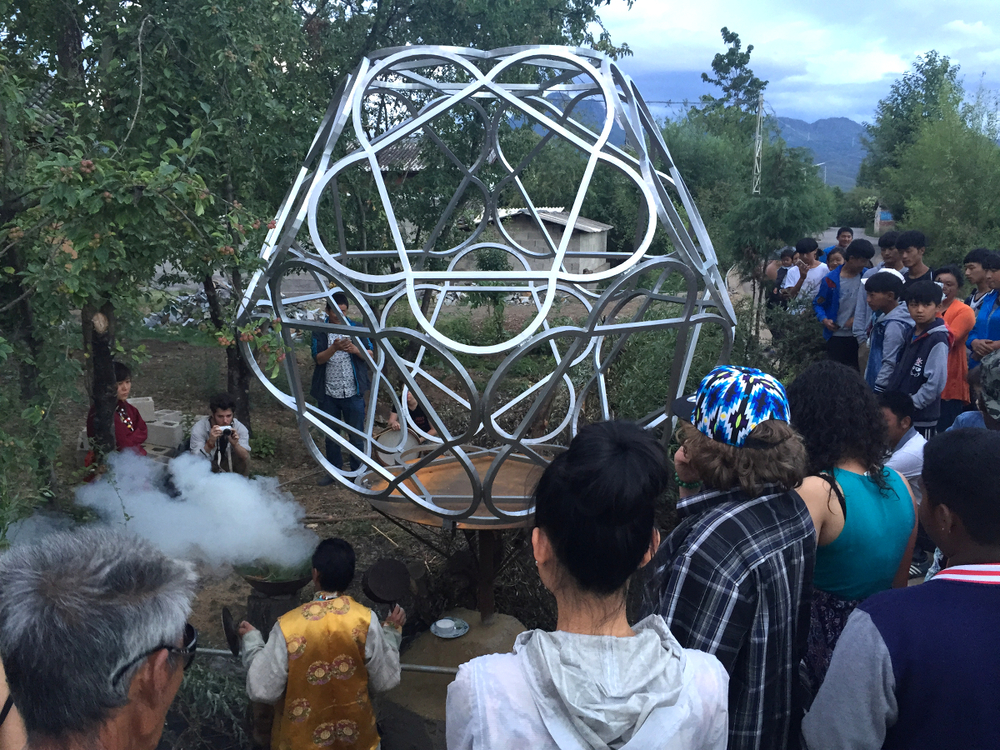 Crowd gathers for Nature God Ritual // Photo: Jay Brown