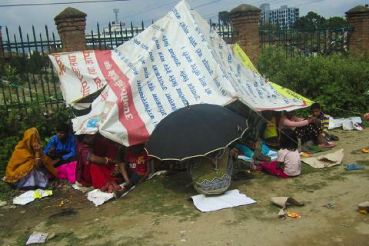 Serious damage to homes and fear of aftershocks has forced many Nepalis to shelter in tents and makeshift camps. Photo: Pranaya Chhetri/Tearfund