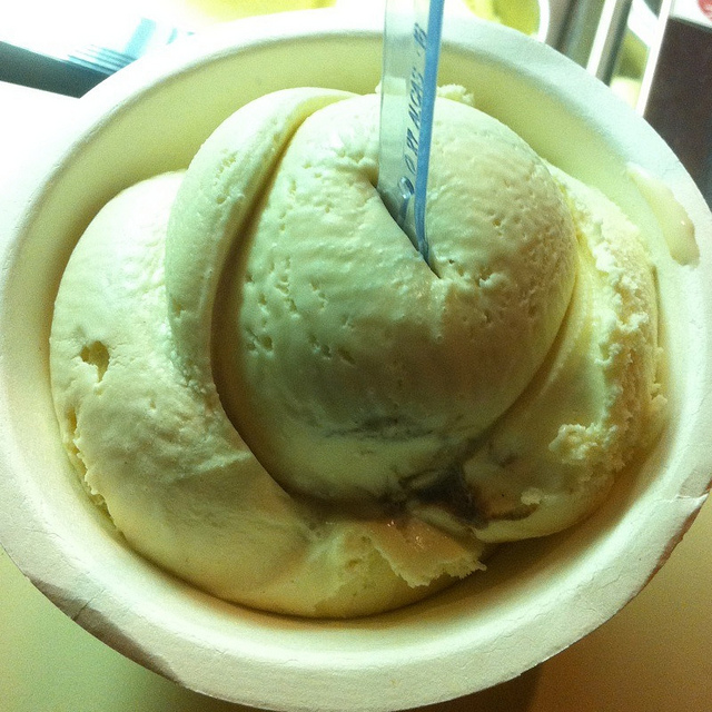 """Cinnamon and Roasted Almond Gelato @ fainting goat gelato,"" by Felice Lam. Licensed under Attribution-NonCommercial 2.0 Generic (CC BY-NC 2.0)."