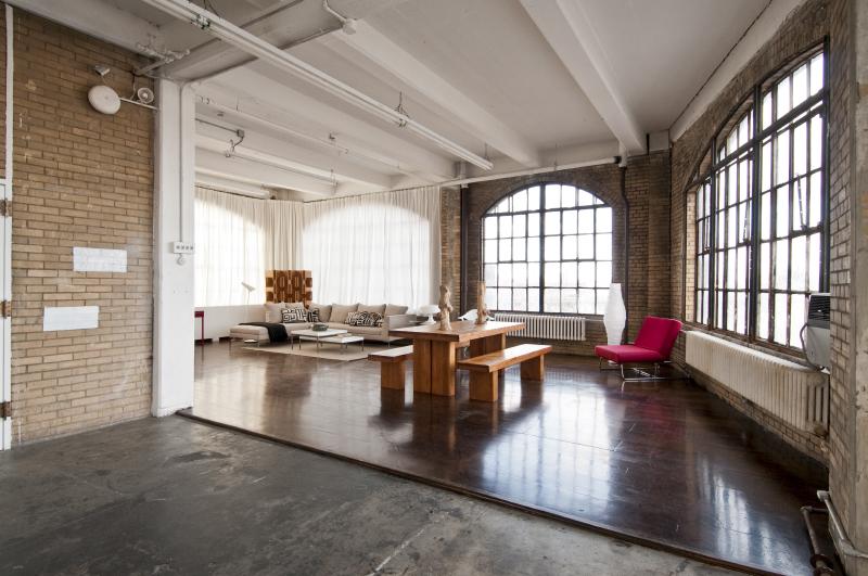 LightBox-NY Studio B_063.JPG
