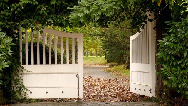th_18 Gate.jpg