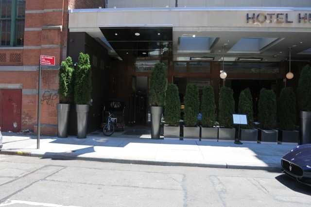 th_Hotel Hugo Entrance_0004.jpg
