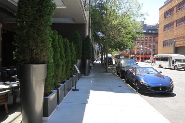 th_Hotel Hugo Entrance_0012.jpg