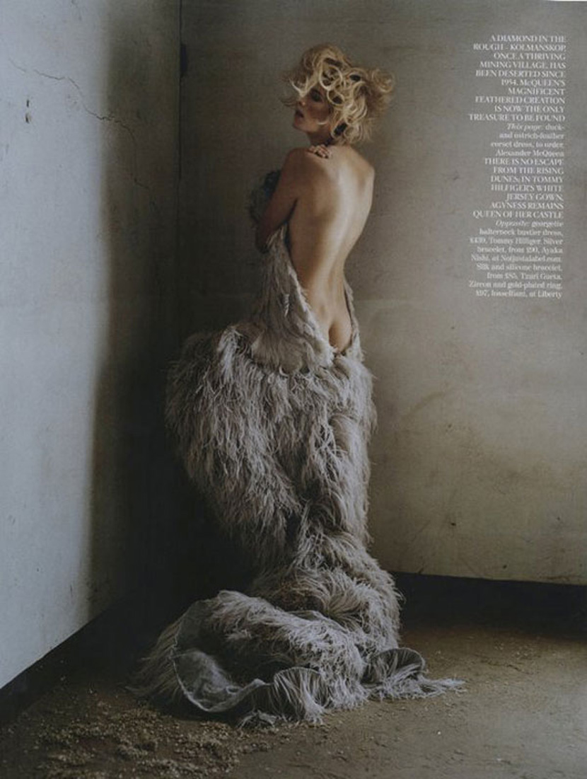 Agyness-Deyn-by-Tim-Walker-for-Vogue-UK-May-201106