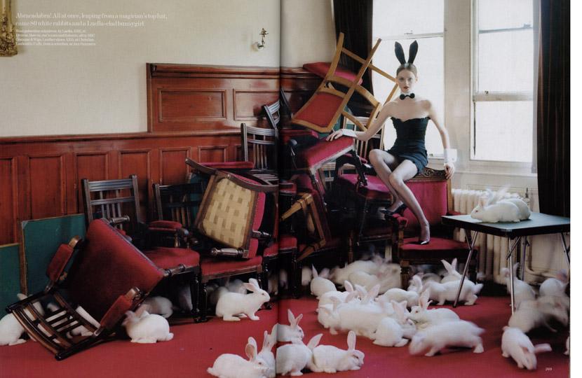 Pantomime_Lisa Cant_Vogue UK Dec 04_Tim Walker