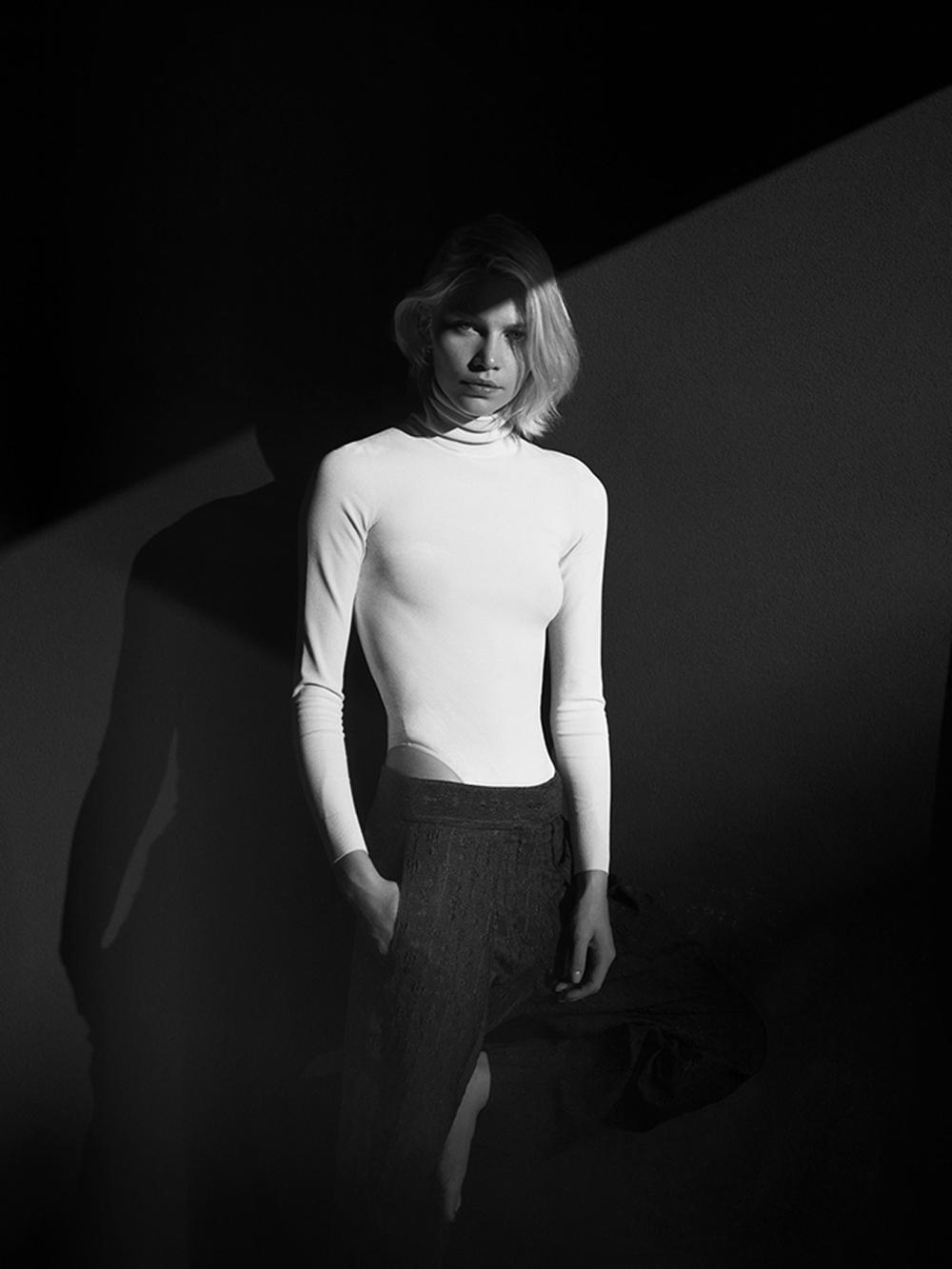 Aline-Weber-by-Annemarieke-van-Drimmelen-for-Rika-Magazine-1.jpg