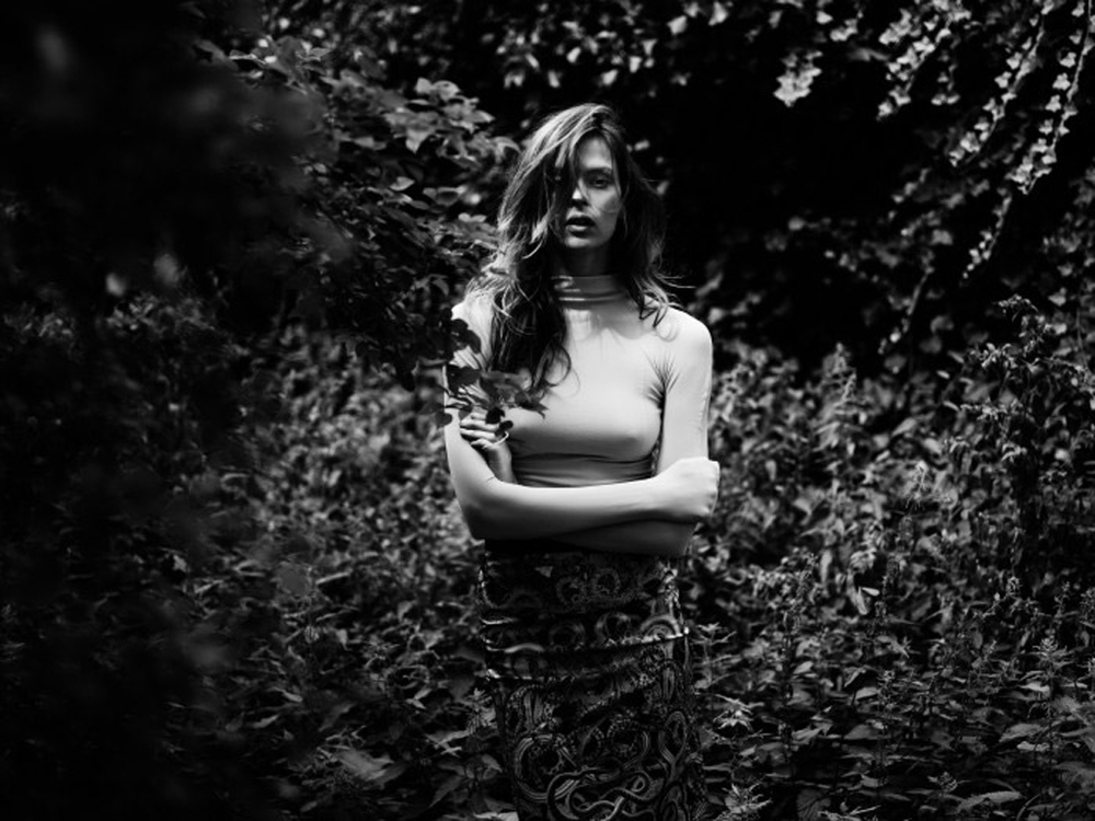 Elise-Crombez-by-Annemarieke-van-Drimmelen-for-Rika-Magazine-1-700x525.jpg