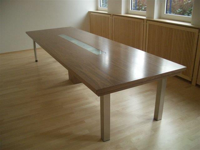 Innenausbau Tisch.jpg