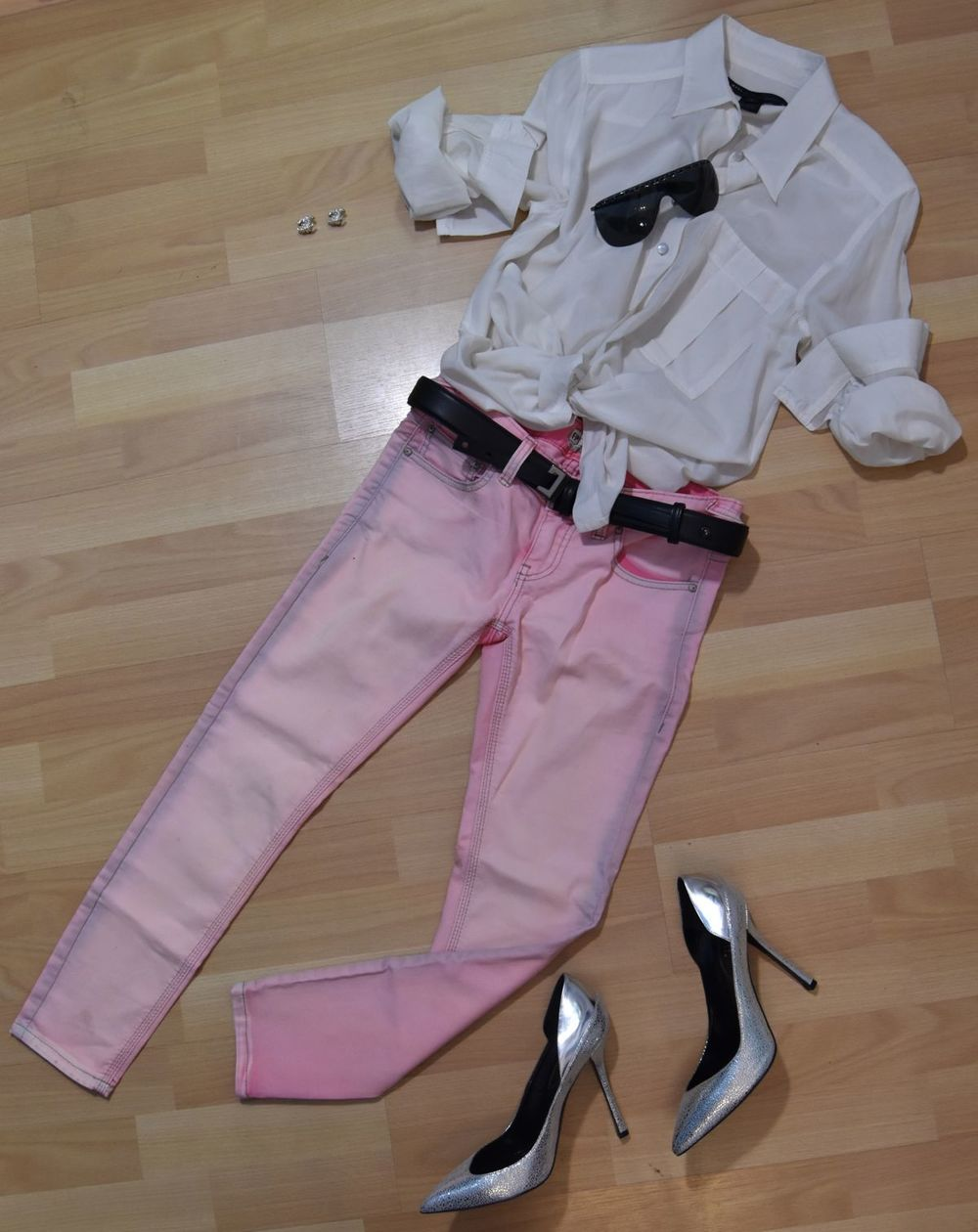 Marc by Marc Jacobs blouse, Free People jeans, Edmundo Castillo pumps available  here  , Worth belt, Chanel sunglasses, Chanel earrings available  here