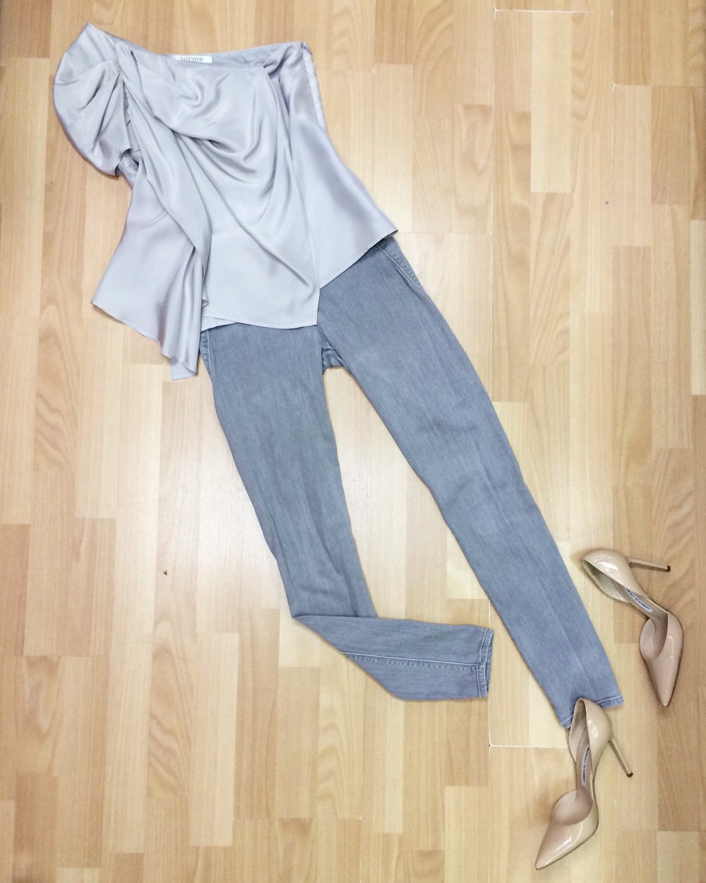 "Valentino silk top, Vince skinny jeans, Manolo Blahnik ""Taylor"" pumps"