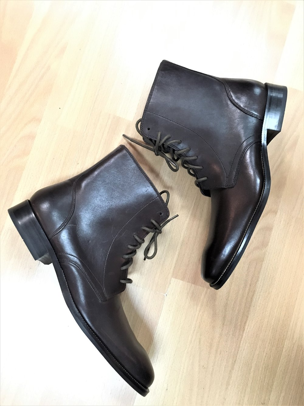 COLE HAAN - Men's Cole Haan brown leather boots, size 10. $88.00