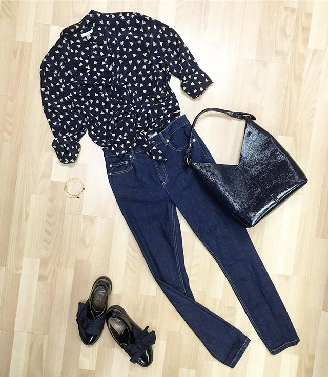 Casual blues: Marc by Marc jeans, @jcrew silk blouse, Agl platform sneakers, @anyahindmarch patent leather bag - all available online and in stores now! Go to newtoyou.net  #newtoyouinc #jcrew #agl #anyahindmarch #marcjacobs #ootd #outfit #outfits #outfitinspo #outfitideas #fashion #fashionblogger #fashionista #style #styleblogger #styleinspo #styleoftheday #designerconsignment #consignment #consignmentboutique #consignmentshop #shopsmall