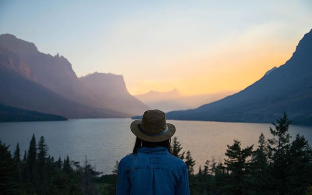 So much space out there in Montana. No better place to take a deep breadth away from it all.  #glaciernationalpark #sunsets #beautiful #photography #sunset #passionpassport #lake #travel #mountains #adventureculture #wild #hike #optoutside @tarakaimal