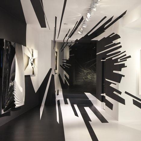 Zaha Hadid 's exhibition at Galerie Gmurzynska Zurich .