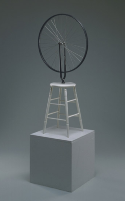 archives-dada :     Marcel Duchamp,  Bicycle Wheel , 1964 (replica of 1913 original), Wheel, painted wood, Diameter: 25 1/2inches (64.8cm) Base height: 23 1/2 inches (59.7 cm), © Artists Rights Society (ARS), New York / ADAGP, Paris / Estate of Marcel Duchamp