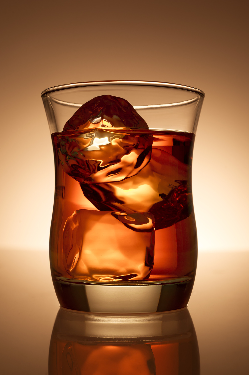 food_beverage_whiskey_glass_ice_on_the_rocks_warm1.jpg