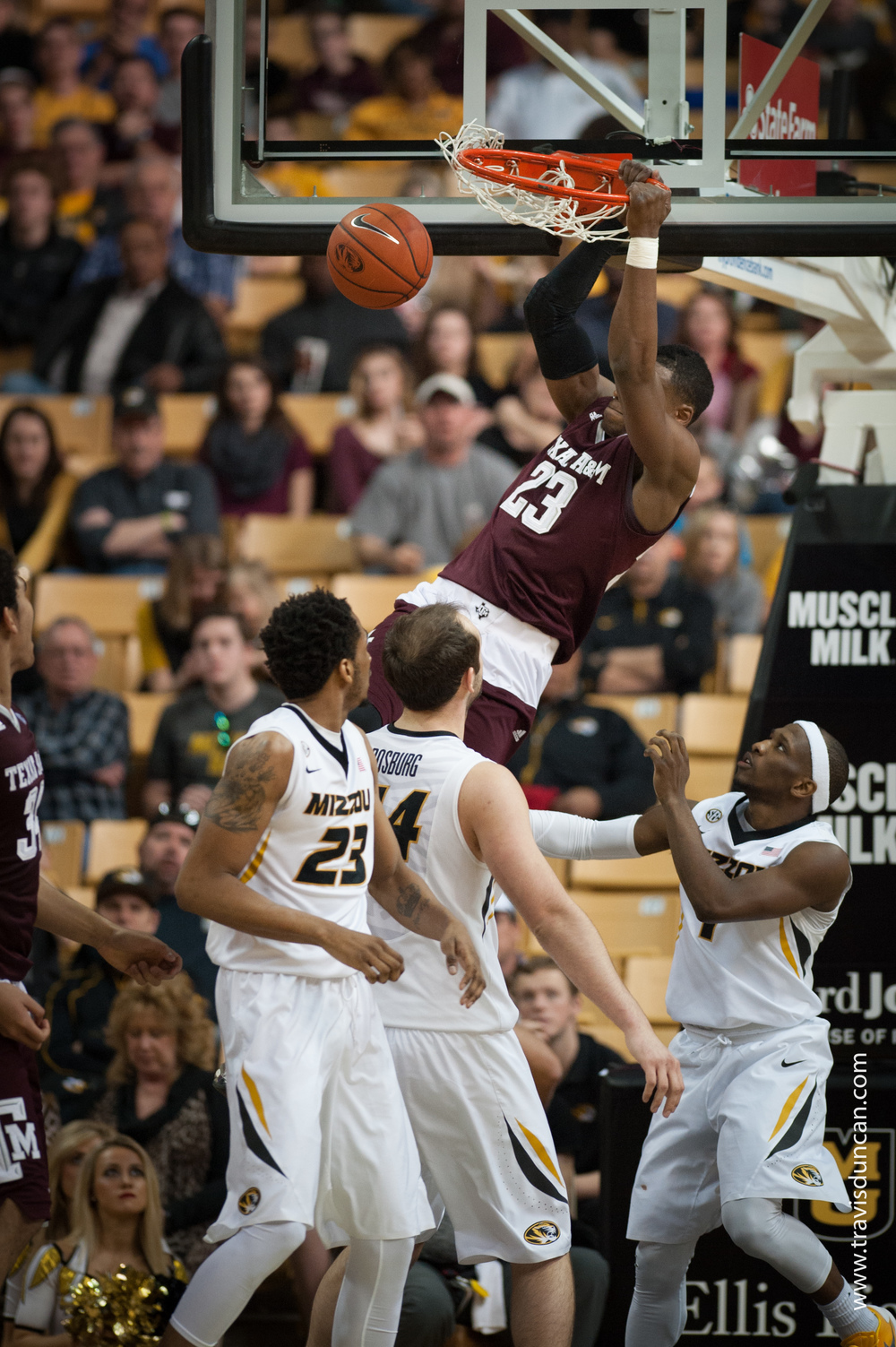 Danuel_House_Dunk_At_Mizzou_Arena.jpg