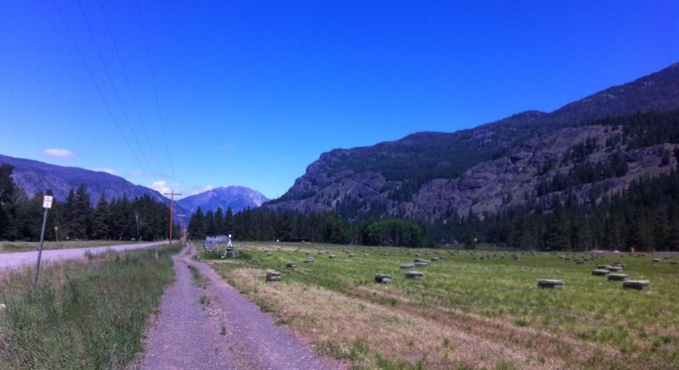 Looking toward Mazama on the trail shared by both the five and ten kilometer course.
