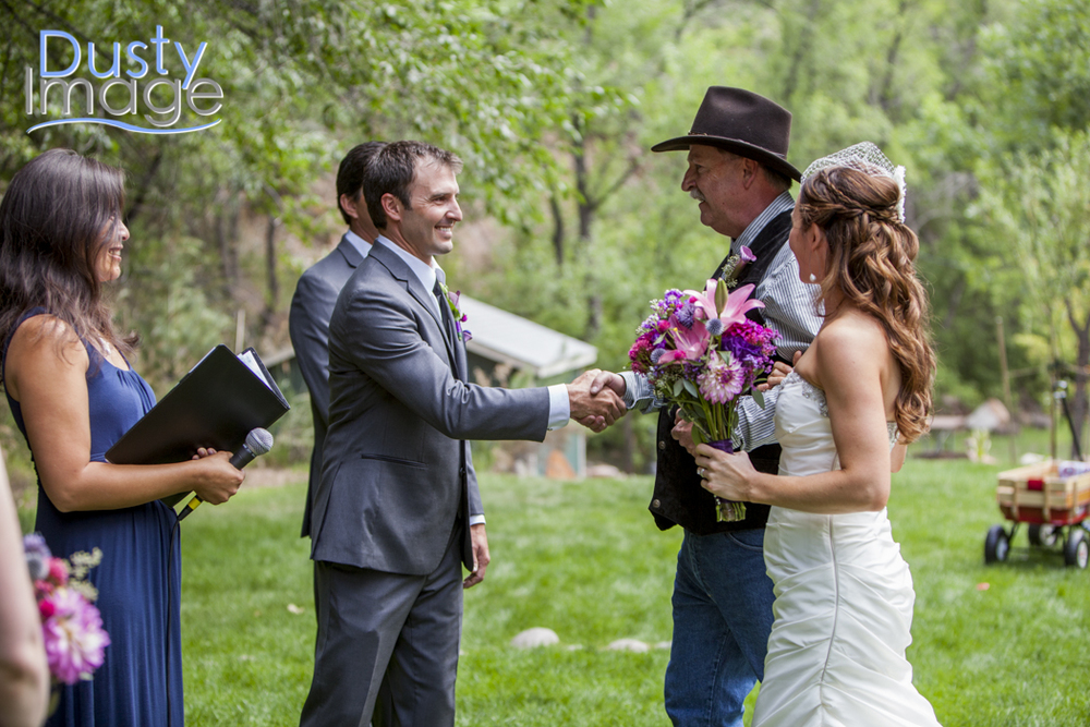 I love this photo sequence of Jen's dad walking her to Jason. So much joy in these photos.