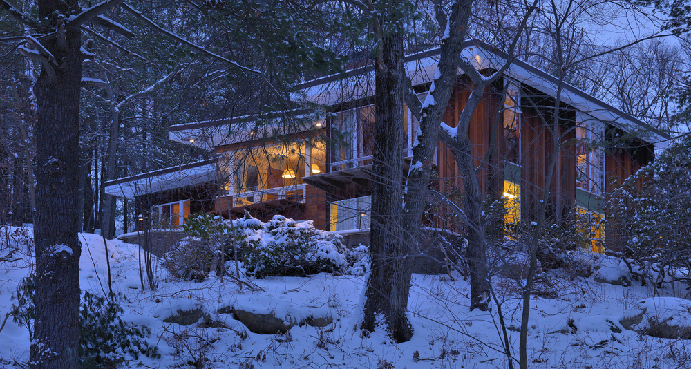 phopro-ext-porch in snow-300ppi-10x5.jpg