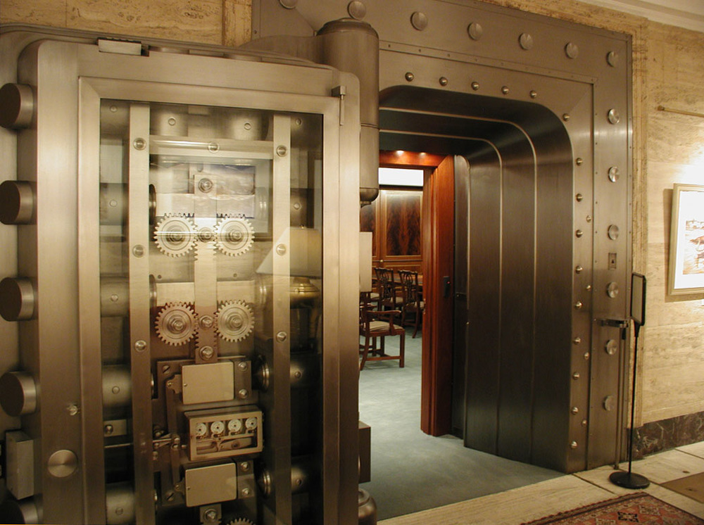 Photo private vault