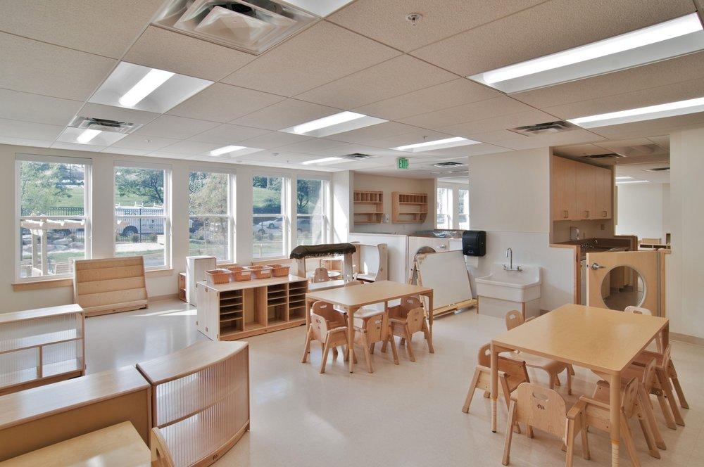 phopro-int-classroom-300ppi-17x11.jpg