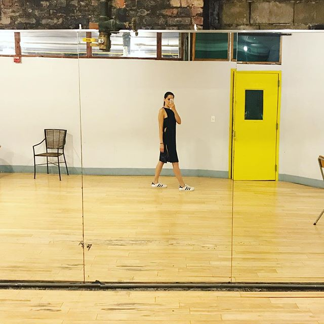 That lil soy/black dress and a dance studio #aboutlastnight #friday #shenanigans #sustainableliving #soy #fabrics #brooklyn