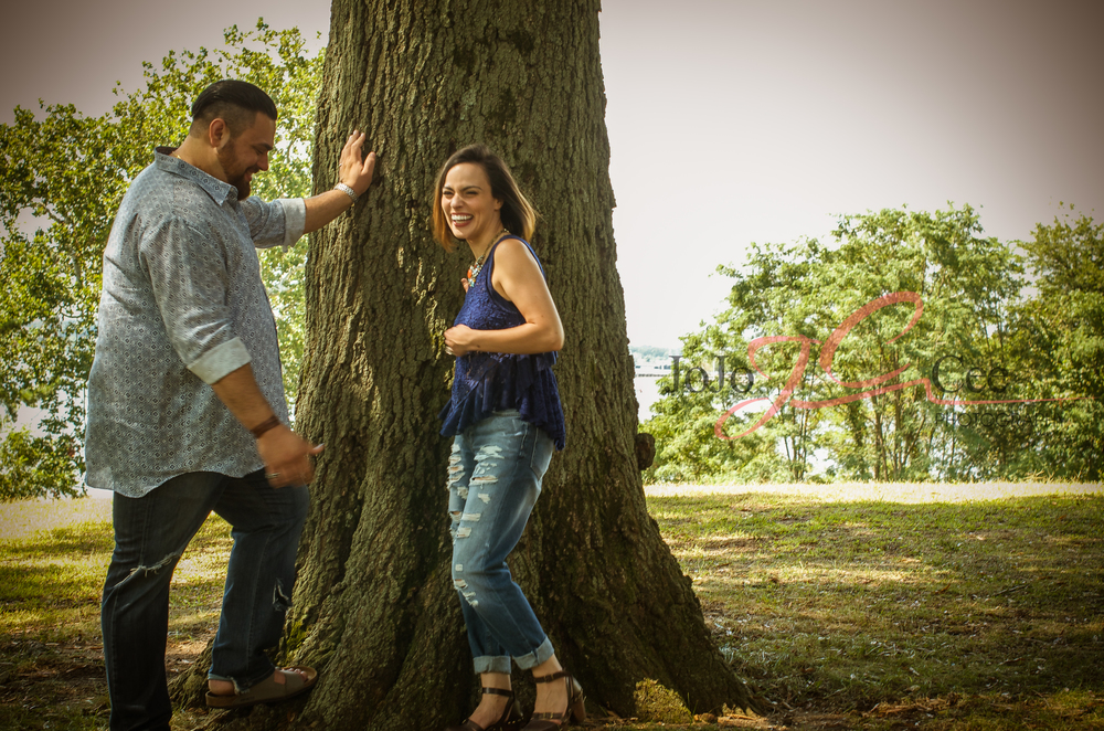 Sara_Anthony_EngagementShoot_Sept2014-4.jpg