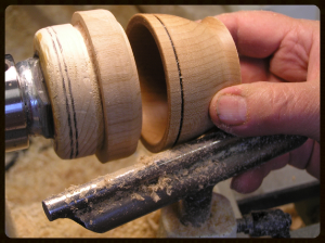 Turning a lidded box
