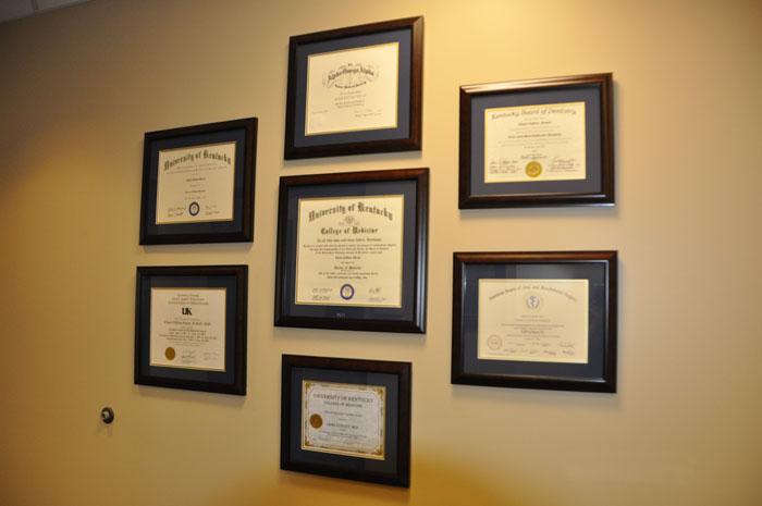 p_diplomas.jpg