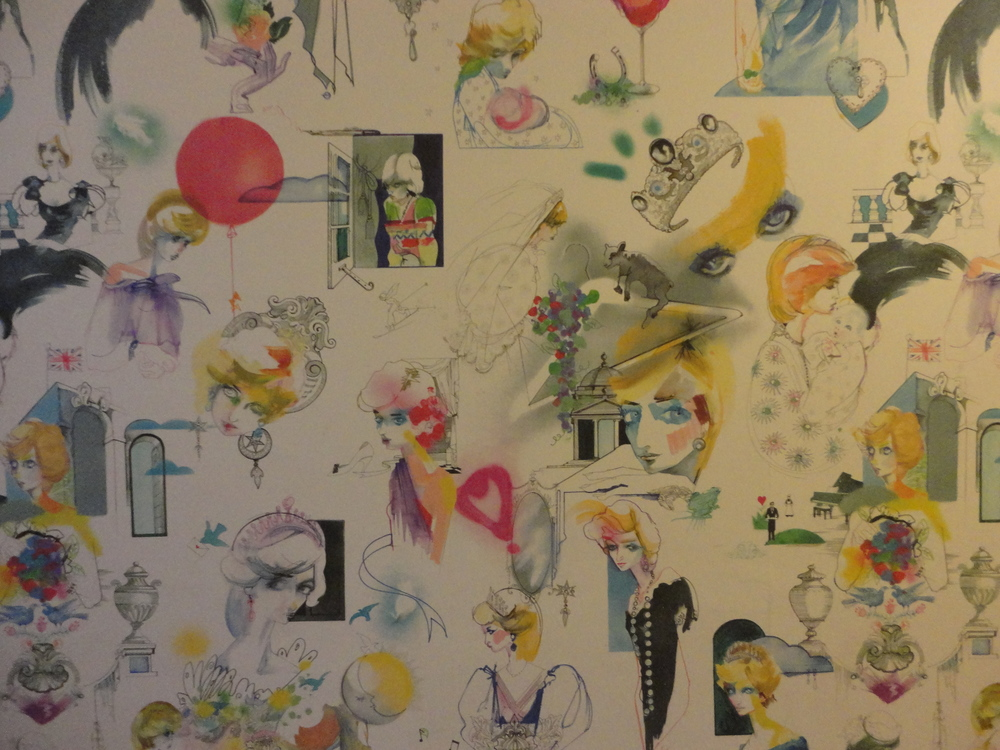 The amazing wall paper I was obsessed with inside Kensington Palace