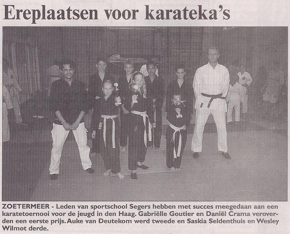 2001-07-13_Streekblad_Ereplaatsen_voor_Karatekas.jpg