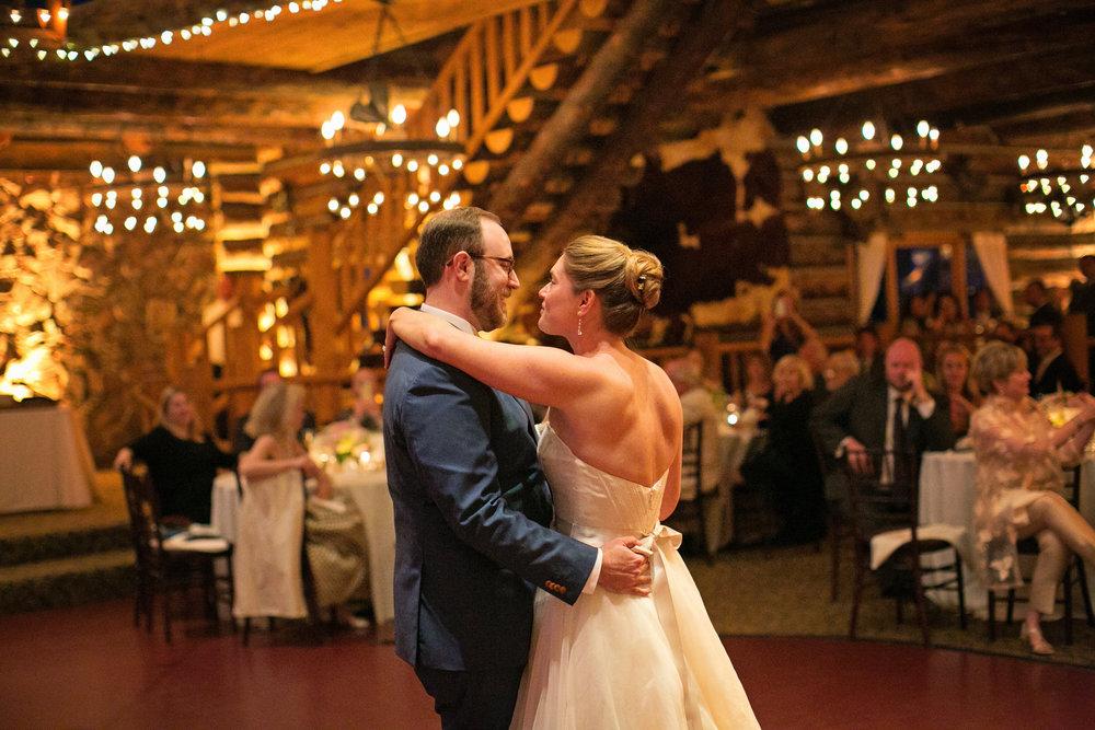 Lisa and Evan-dancing-0009.jpg