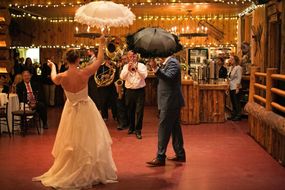 Lisa and Evan-dancing-0026.jpg