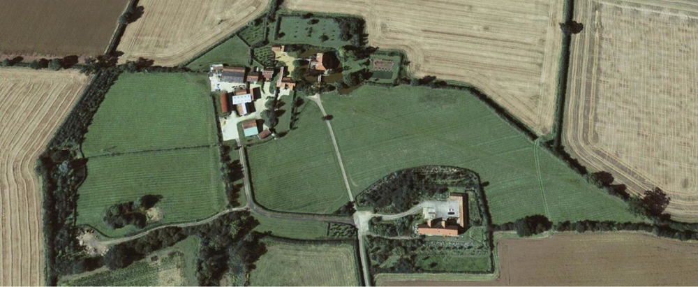 Fig.34 Aerial photogr  aph of 'Barn Hill', August 2007