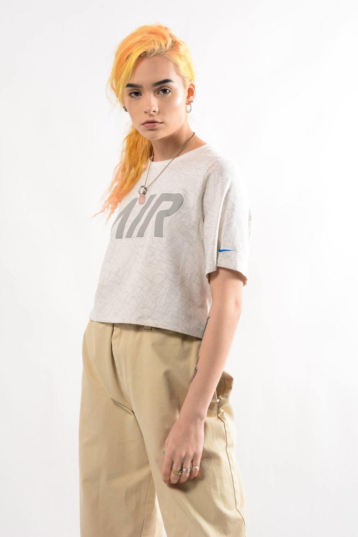 cropped NIKE Tee shirt