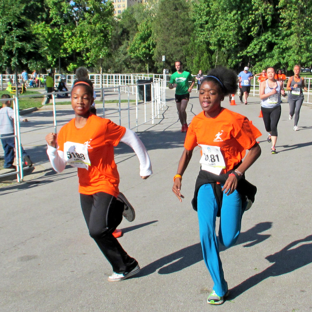 Running Mates Students Starting the Teach For America 5k.jpg