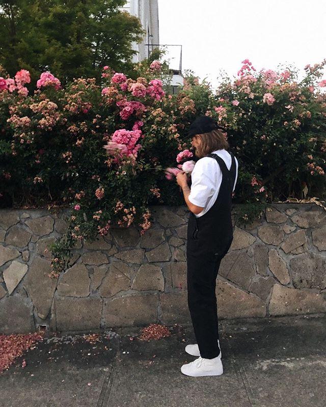 flowers please 💐