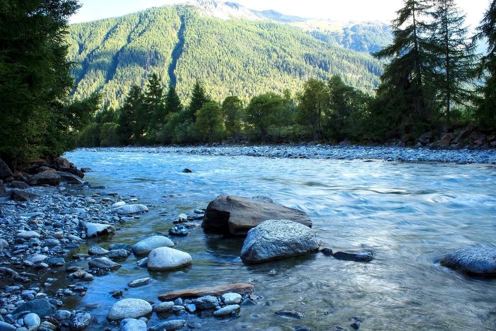 Fluss 1 - Schweiz.jpg
