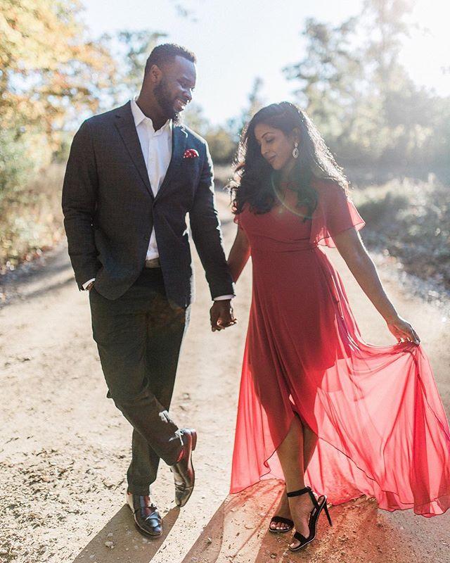 Anusha & Reavens ☺️📸🔥. . #chattanoogaphotographer #weddingphotographer #exploretocreate #makeportraits #travelingweddingphotographer #hikechattanooga #thepinkbride #filmborn #mastinlabs #chasinglight #shesaidyes