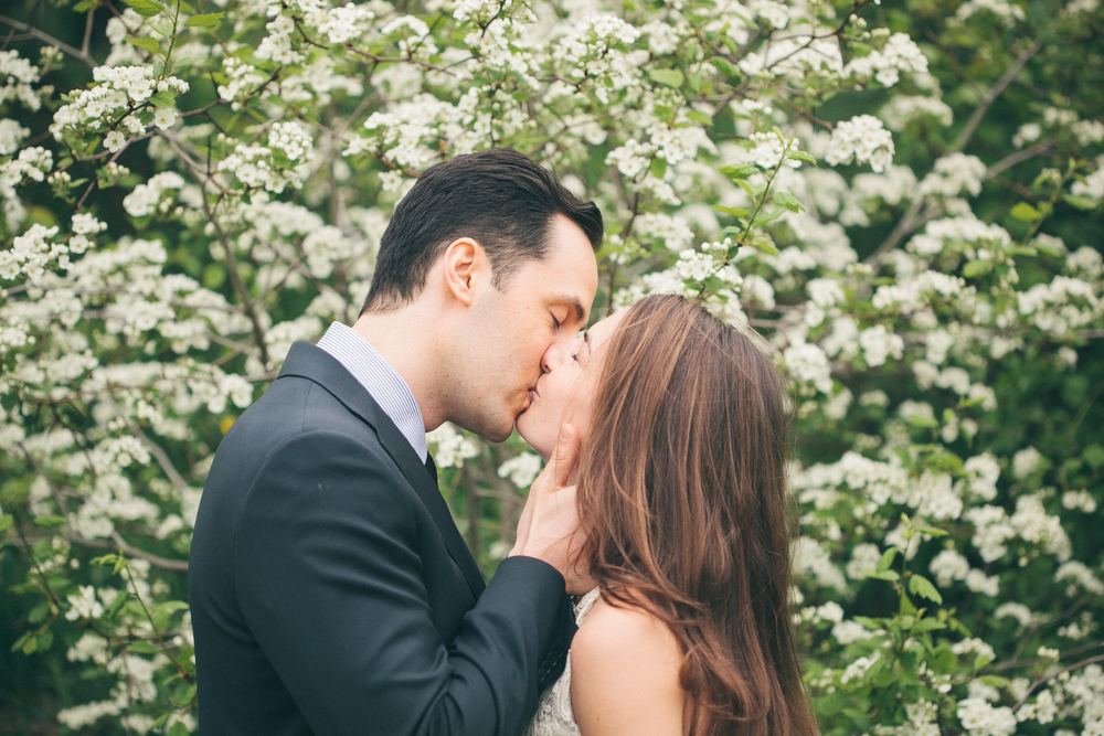Romantic-engagement-photos-SirWinstonChurchillPark-Toronto-wedding-005.JPG