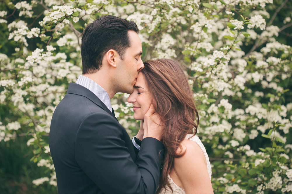 Romantic-engagement-photos-SirWinstonChurchillPark-Toronto-wedding-004.JPG