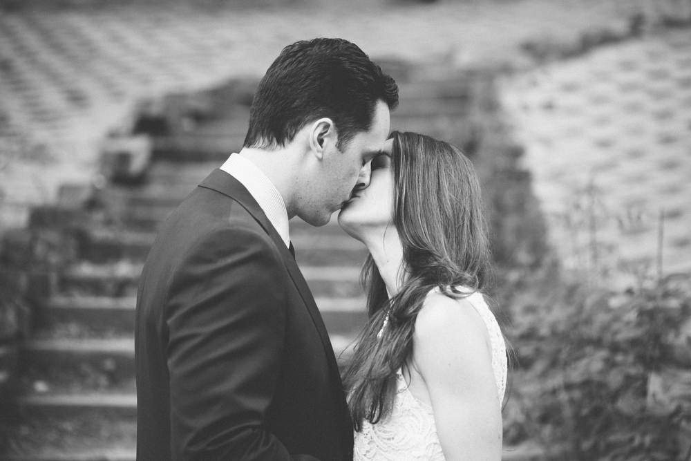 Romantic-engagement-photos-SirWinstonChurchillPark-Toronto-wedding-014.JPG